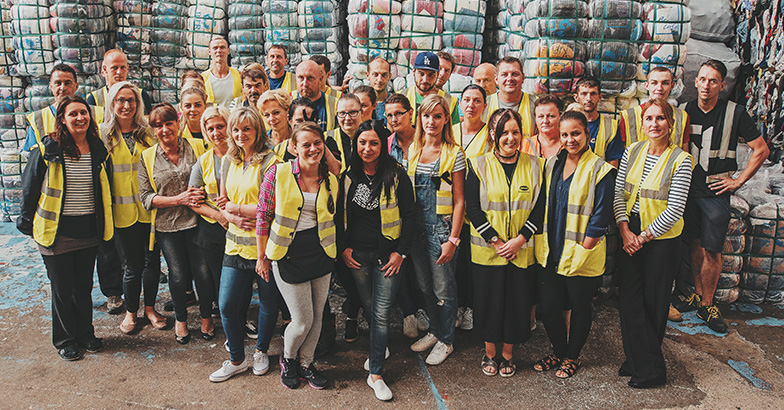 Bristol Textile Recyclers - Diverting 20 tonnes of textiles from landfill daily Bristol Textile Recyclers is a family run business that helps charitable organisations fundraise with recycling with clothing drives and recycling /5(15).